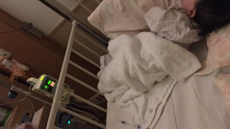 ノロウイルス子供入院写真