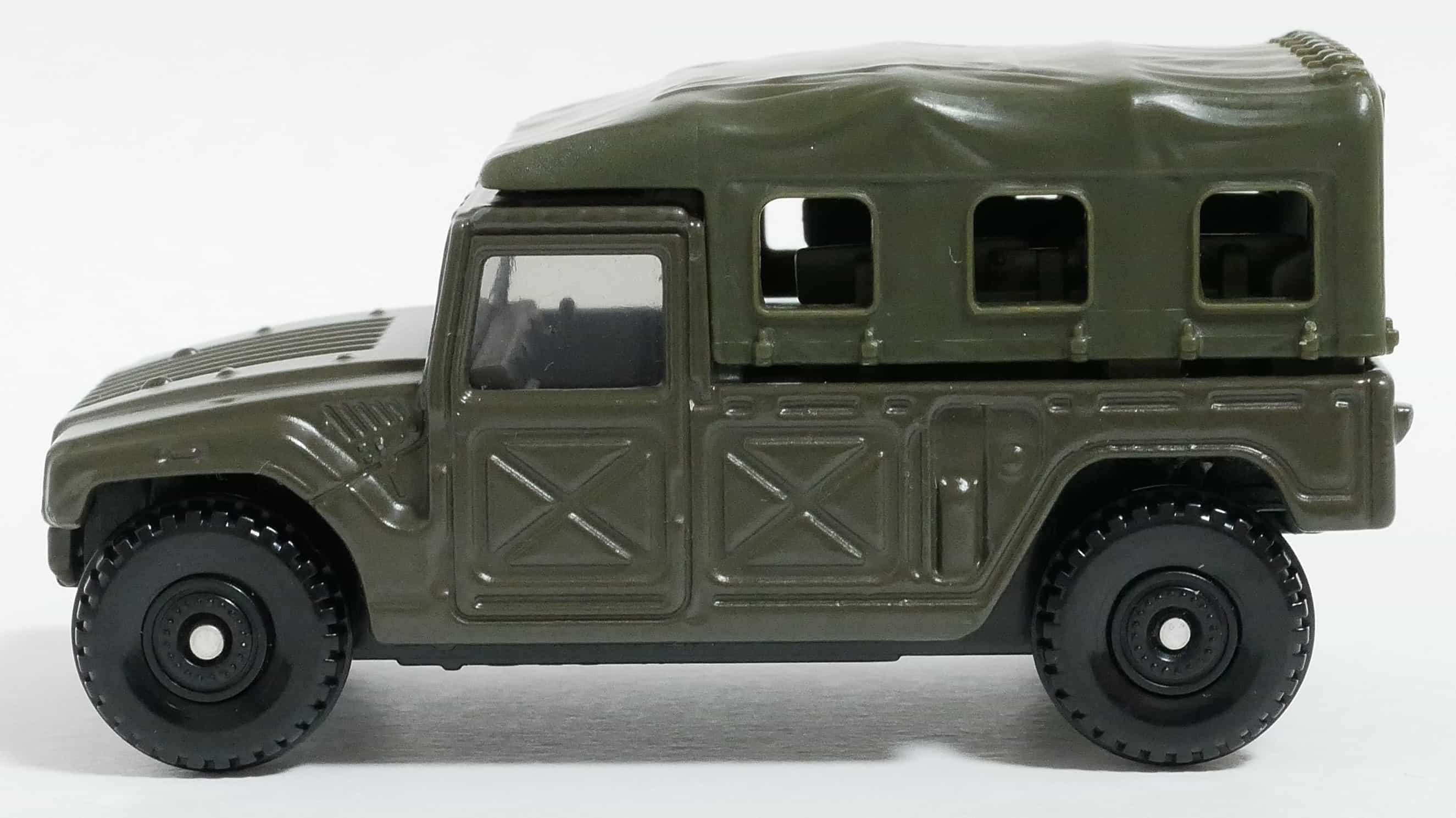 トミカNo.96-8自衛隊高機動車-横